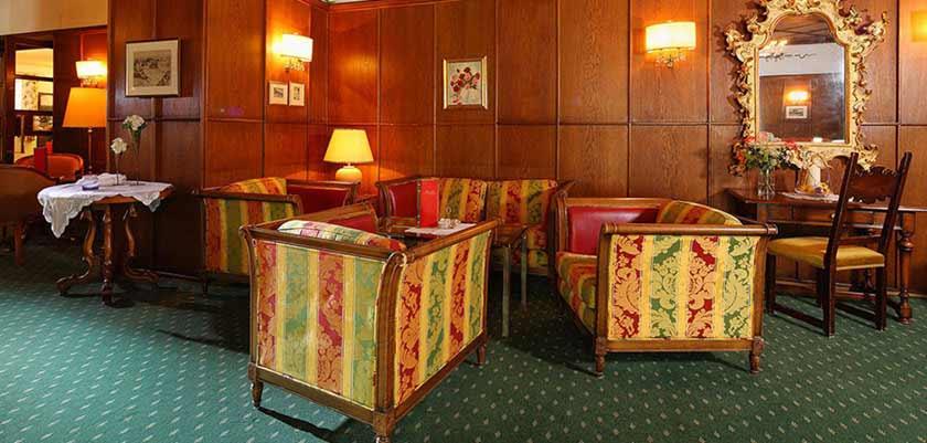 Hotel Post, St. Anton, Austria - lounge.jpg